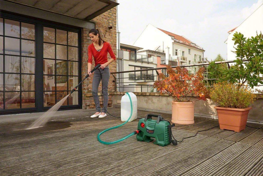 Nettoyeur haute pression Bosch - EasyAquatak 120 (1500W , 120 bars, livré avec set d'accessoires)