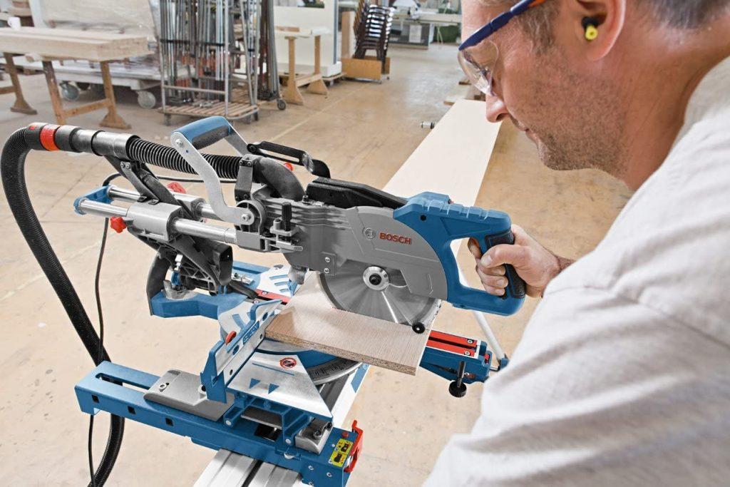 Scie à onglet radiale Bosch Professionnal